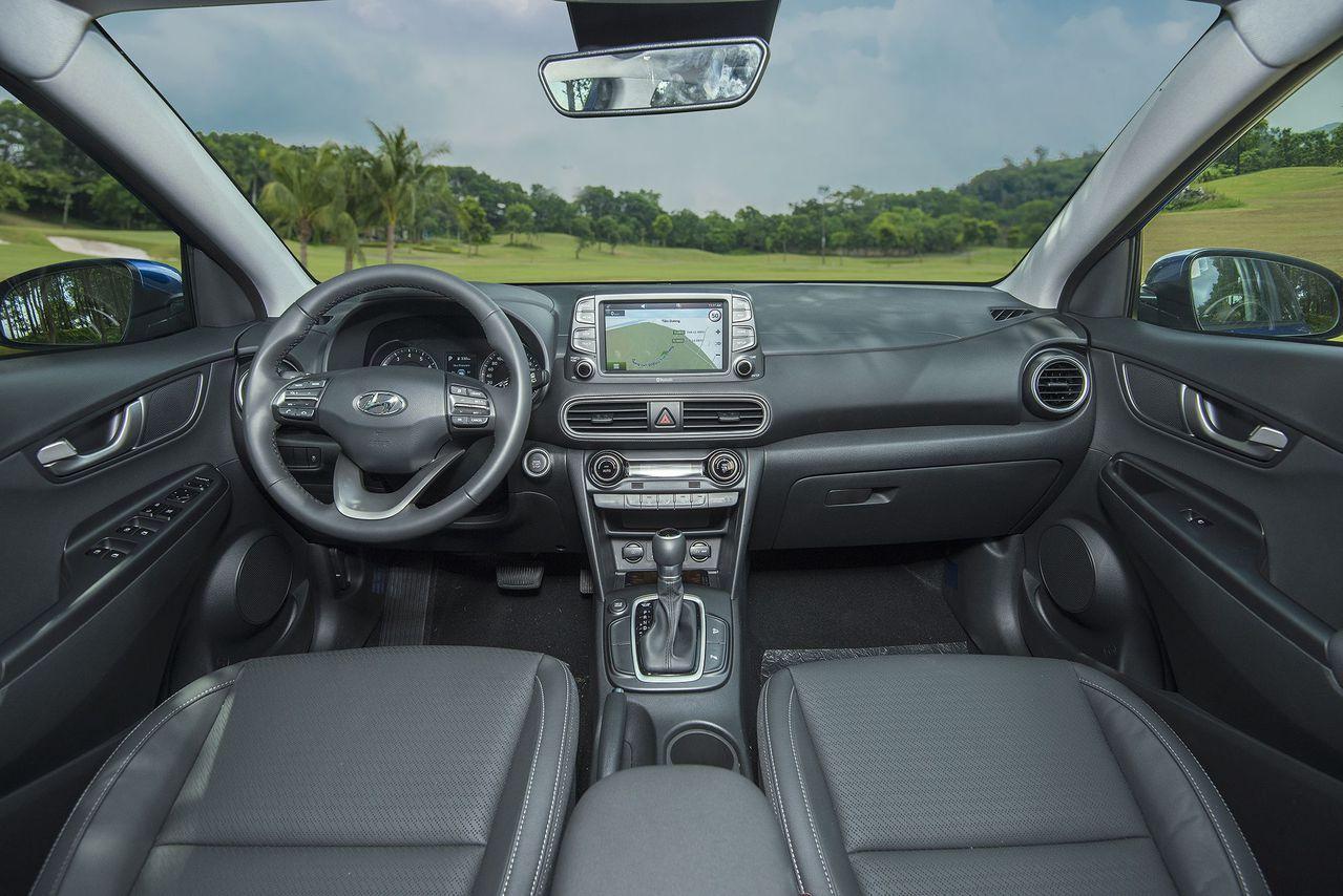 Nội thất tiện nghi trên Hyundai Kona 2019